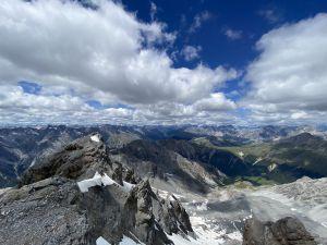 Abgeschieden und Natur pur: Piz Murtaröl, mit 3180 m.ü.M. höchster Berg des Val Müstair. Blickrichtung Ofenpass/Nationalpark.... Grandios!