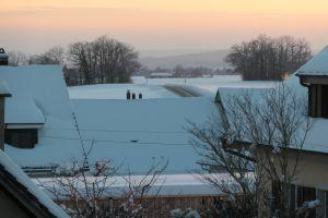 Ein Bilderbuch-Wintertag geht zu Ende (Blick von Lohn Richtung Stetten am 15.01.2021)