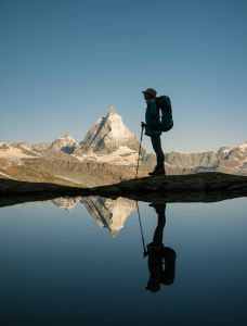 Morgenspiegelung des wunderschönen Matterhorns in Zermatt.